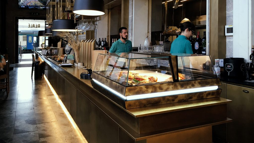 Vetrina Orion Jobs - Reale Tapas Bar Firenze